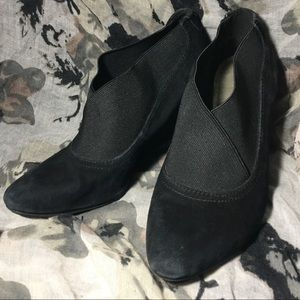 Anne Klein iflex Ankle Booties